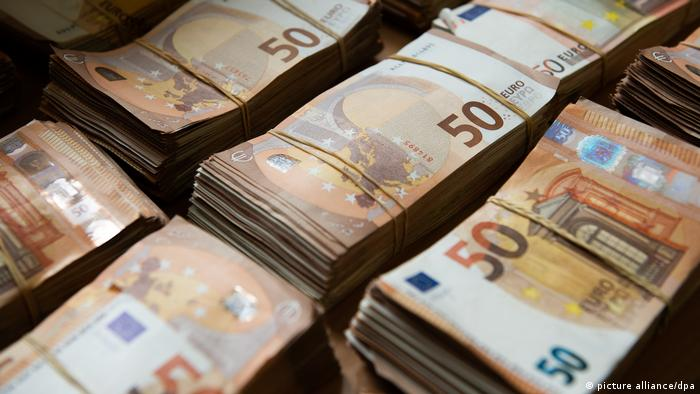 Svežnjevi novčanica eura