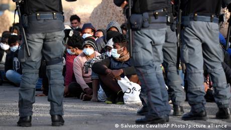 Ιταλία Λαμπεντούζα | άφιξη μεταναστών