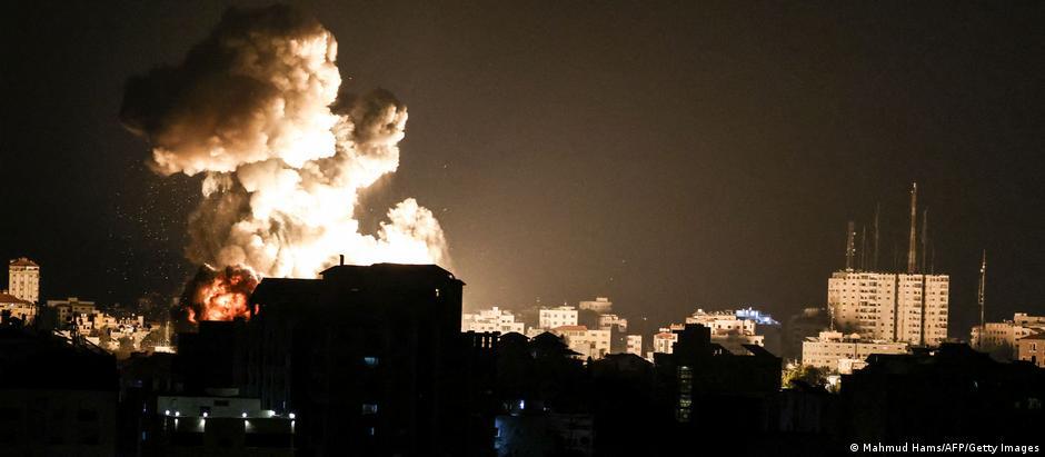 Ночной взрыв в секторе Газа после израильского авиаудара
