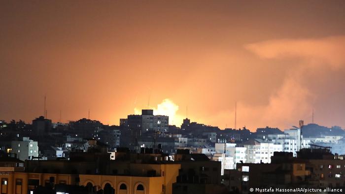 Вибухи в Секторі Гази після ізраїльського авіаудару в ніч на 13 травня
