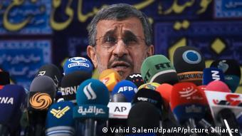 مخاطب گفتههای محمود احمدی نژاد افرادی هستند که در حاکمیت حضور دارند