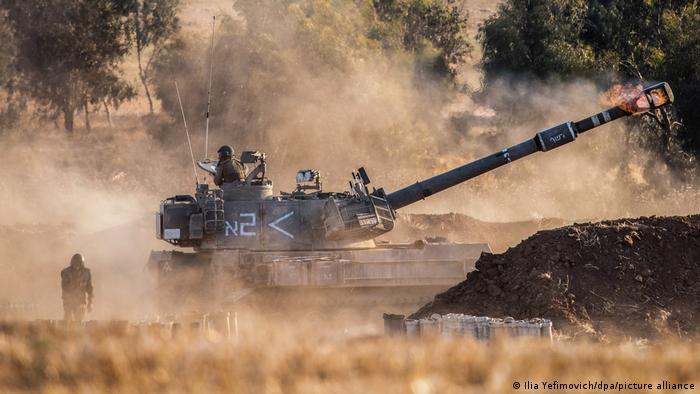 Tanque israelense em ação terrestre na fronteira com Gaza