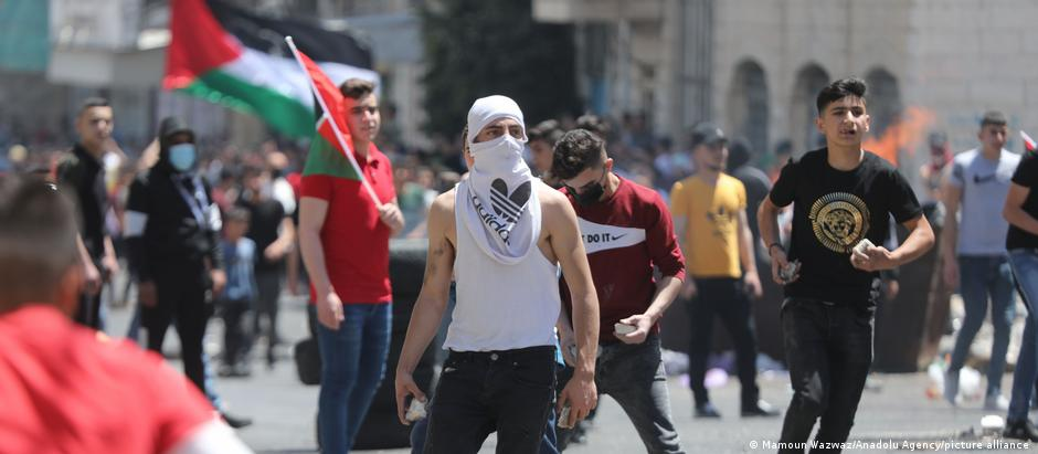 Palestinians clash with security forces in the West Bank