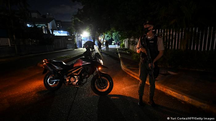 La Guardia Nacional Bolivariana cortó la calle que da acceso a la sede del diario.