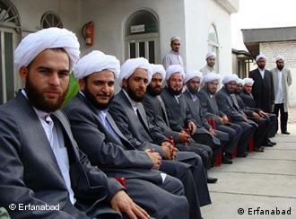 طلبههای یکی از حوزههای علمیه سنیها در ایران