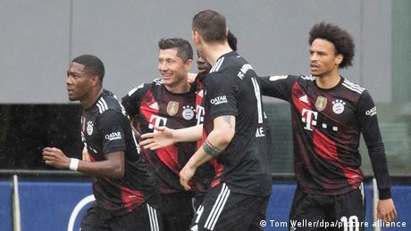 Bayern Munich celebrate Robert Lewandowski's historic moment