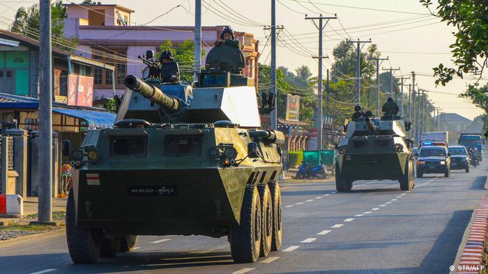 ارتش میانمار با شبه نظامیان چینلند که مخالف کودتای نظامی هستند در شهر میندات درگیر شده است
