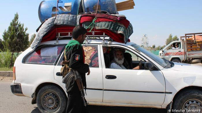 Immer wieder verlassen Bewohner von Laschkar Gah wegen der Kämpfe die Region