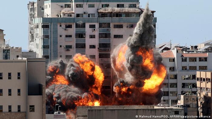 Prédio que abrigava mídia foi bombardeado no sábado