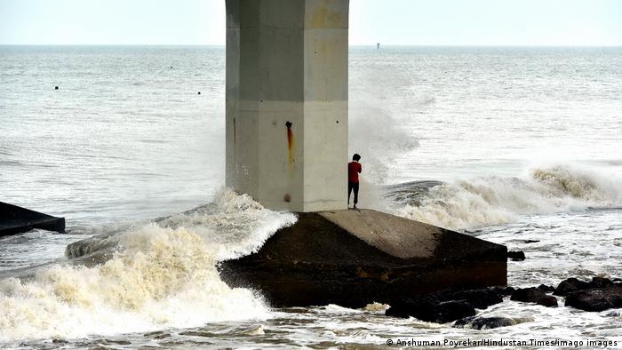 Cyclone heads towards India