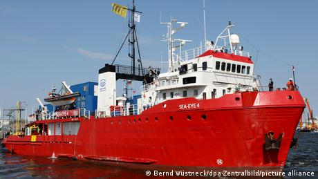 Seenotrettungsschiff Sea-Eye 4 fährt Richtung Mittelmeer
