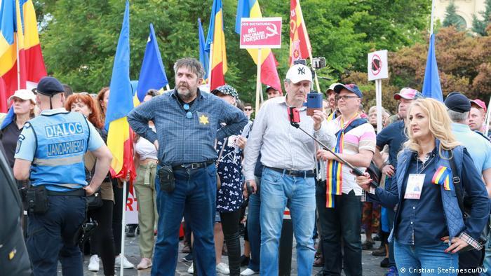 Proteste anti-vaccin la București