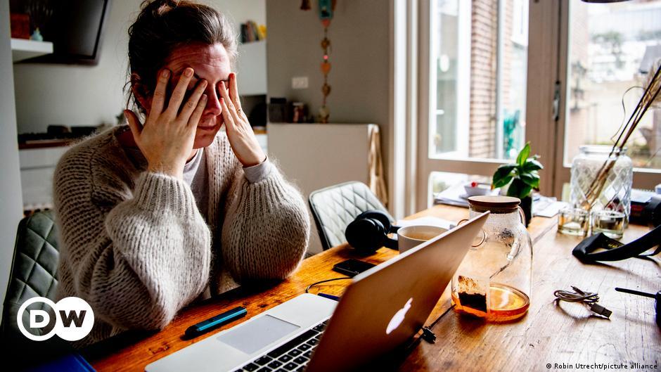 کام کے طویل اوقات ہلاکت کا باعث ہو سکتے ہیں، عالمی ادارہ صحت