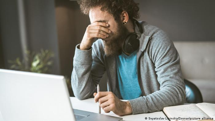 Long work weeks are thought to increase the risk of illness