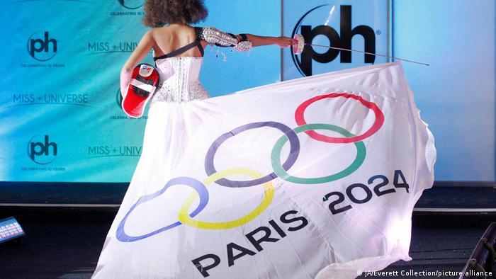 ملکه زیبایی فرانسه آلیسیا آیلیز در رقابتهای ملکه زیبایی سال ۲۰۱۷ جهان برای برگزاری رقابتهای المپیک سال ۲۰۲۴ در پاریس تبلیغ و تلاش میکند.