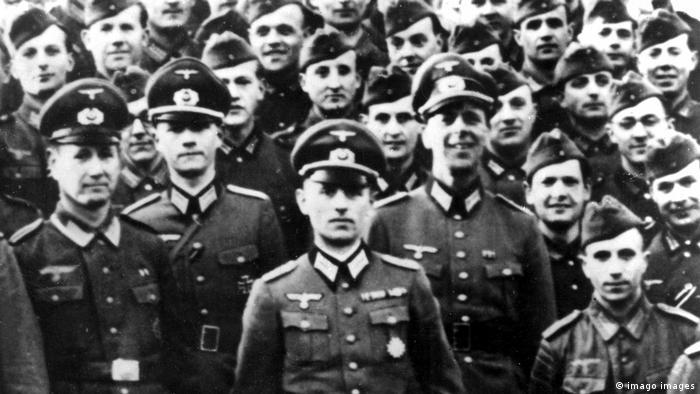 Reinhard Gehlen s časnicima Wehrmachta na Istočnoj fronti