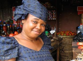 Eine Marktfrau in Lagos (Foto: DW / Thomas Mösch)