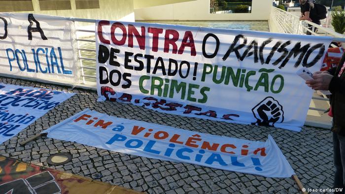 Plakat gegen Rassismus in Portugal