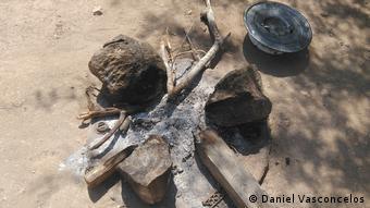 Angola Müll ist Ernährung und eine Ursache für Krankheiten für die Gemeinde Benguela