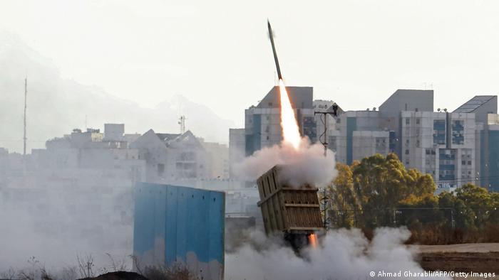 Старт ракети-перехоплювача ізраїльської системи Залізний купол