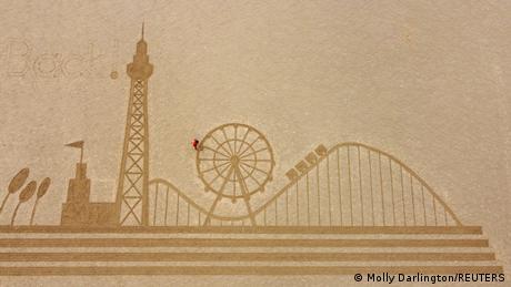 BdTD Großbritannien Sandbild am Strand von Blackpool