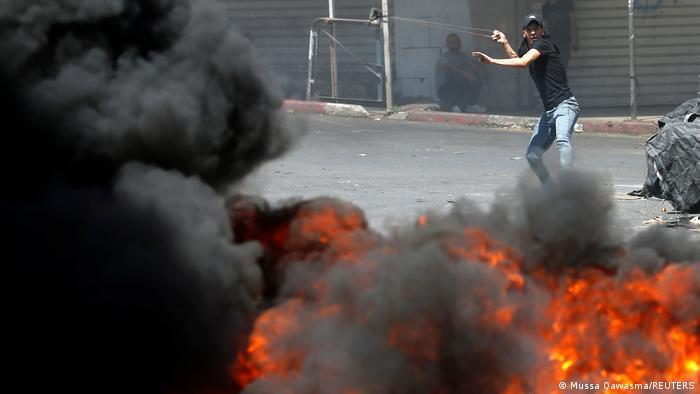 Hebron I Palästinenser protestieren gegen Situation in Gaza