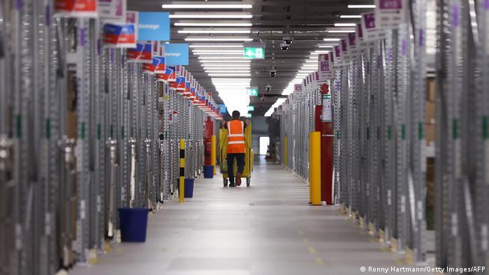 Amazon a deschis mai multe locații noi în Germania în timpul pandemiei, cum ar fi centrul logistic din Suelztal lângă Magdeburg