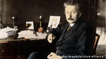二战前后,美国从德国等国吸引大批高科技人才,包括爱因斯坦、冯诺伊曼等全球最顶尖的科学家