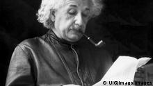 United States: May, 1938 Theoretical physicist Albert Einstein reading a letter PUBLICATIONxINxGERxSUIxAUTxHUNxONLY 990_16_X-Einstein-Albert_1HR United States May 1938 theoretical Physicist Albert Einstein Reading a Letter PUBLICATIONxINxGERxSUIxAUTxHUNxONLY 990_16_X Einstein Albert_1HR
