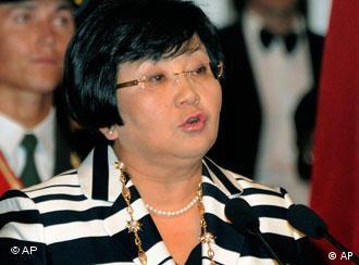 رزا اوتونبایوا برخلاف روسای جمهور آسیای میانه وعده داد دیگر رئیس جمهور نشود