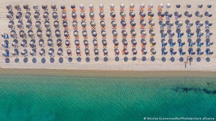Пляжі на острові Крит готові до навали туристів