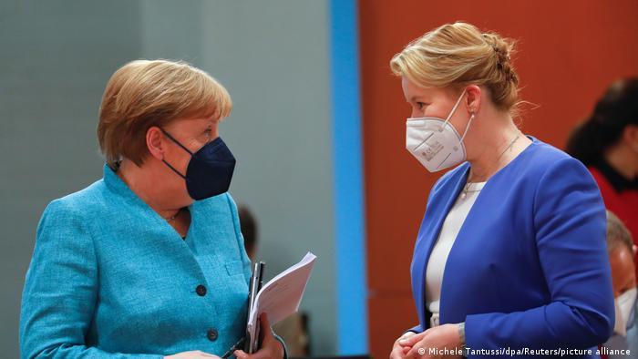 Deutschland Berlin Familienministerin Franziska Giffey tritt zurück