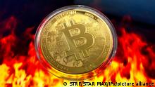 Photo by: STRF/STAR MAX/IPx 2021 5/19/21 $270 billion wiped out of crypto market as Bitcoin falls below $40K.