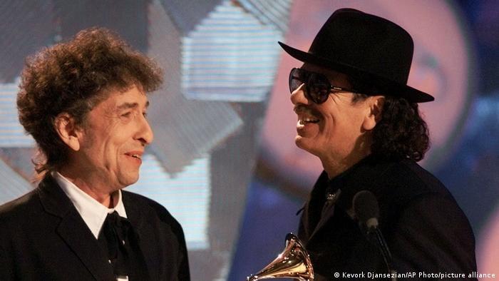 Bob Dylan e Santana na entrega do Grammy 2000