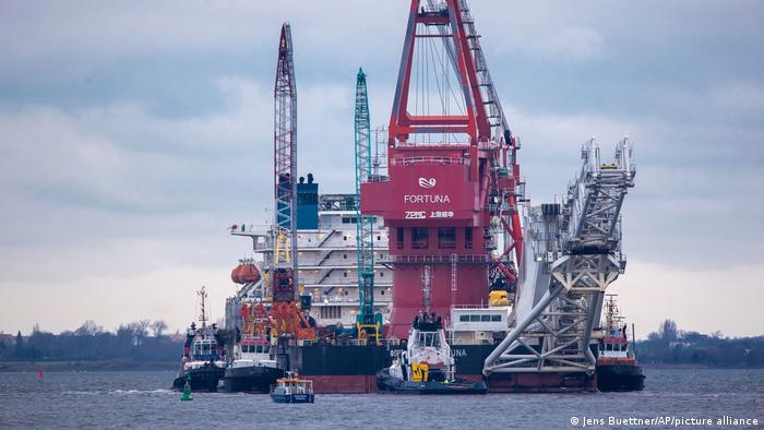 Nord Stream 2 l Russisches Verlegeschiff Fortuna, Wismar