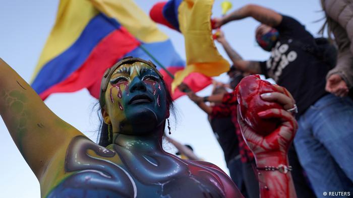 Foto de manifestante en Colombia