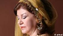 Iran l Mahroo Mostofi ist die iranische Sängerin