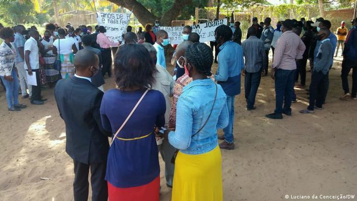Protest gegen das Unternehmen Sasol in Inhambane, Mosambik