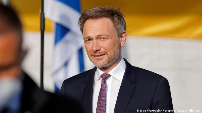 FDP lideri ve liste başı adayı Christian Lindner