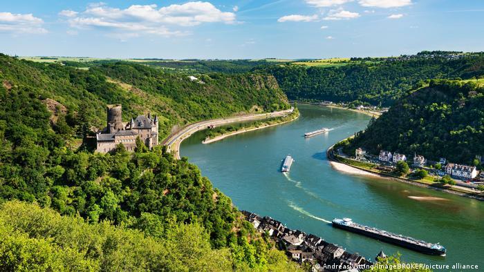 Река Рейн от птичи поглед