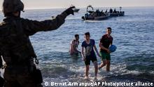 Spanien Junge Migranten in Ceuta