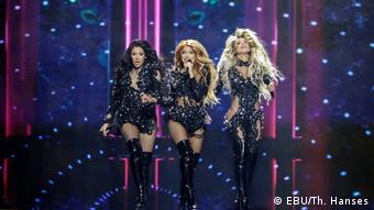 Трио Hurricane из Сербии на сценеи Евровидения в Роттердаме