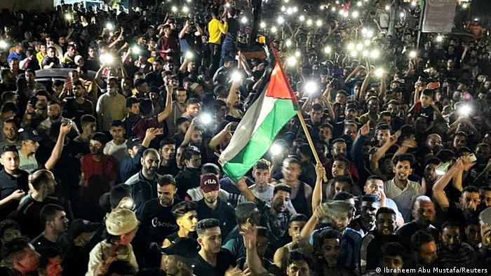 Палестинцы празднуют прекращение огня между Израилем и ХАМАС