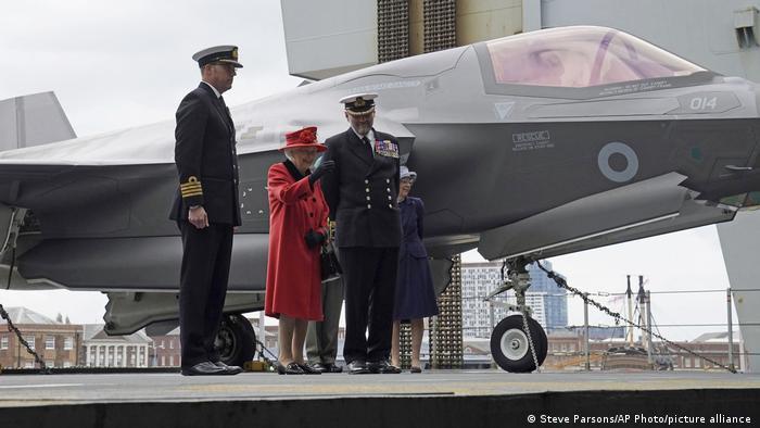 UK HMS Queen Elizabeth  