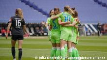 Flyeralarm Frauen-Bundesliga - Eintracht Frankfurt v VfL Wolfsburg