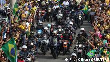 Brasilien Präsident Bolsonaro führt Motorradparade durch Rio