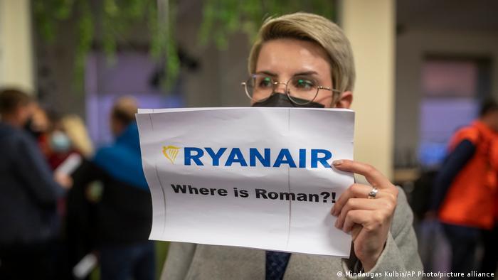 Proteste pe aeroportul din Vilnius după reţinerea fondatorului Nexta
