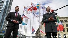 Lettland I Bürgermeister Martin Stakis I Flaggenaustausch Belarus