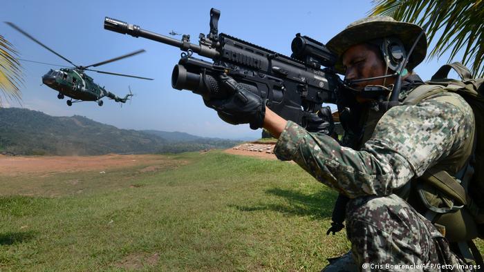 Peru Symbolbild Militäreinsatz gegen Leuchtender Pfad