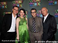 Diretores  Felix (e) e Percy Adlon com os atores Johannes Silberschneider e Barbara  Romaner na pré-estreia em Munique